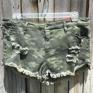 NWT Mossimo High Rise Camouflage Denim Short 16